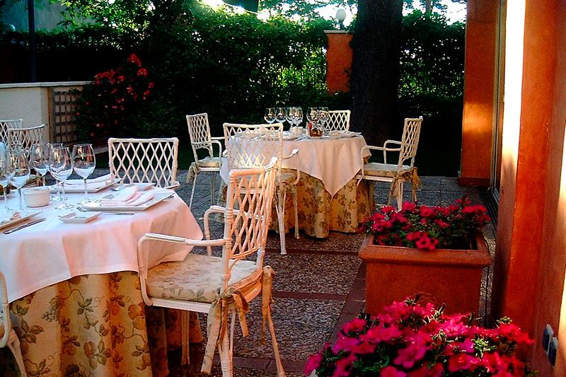 Restaurante Los Cedros   Restaurante en Madrid con jardín